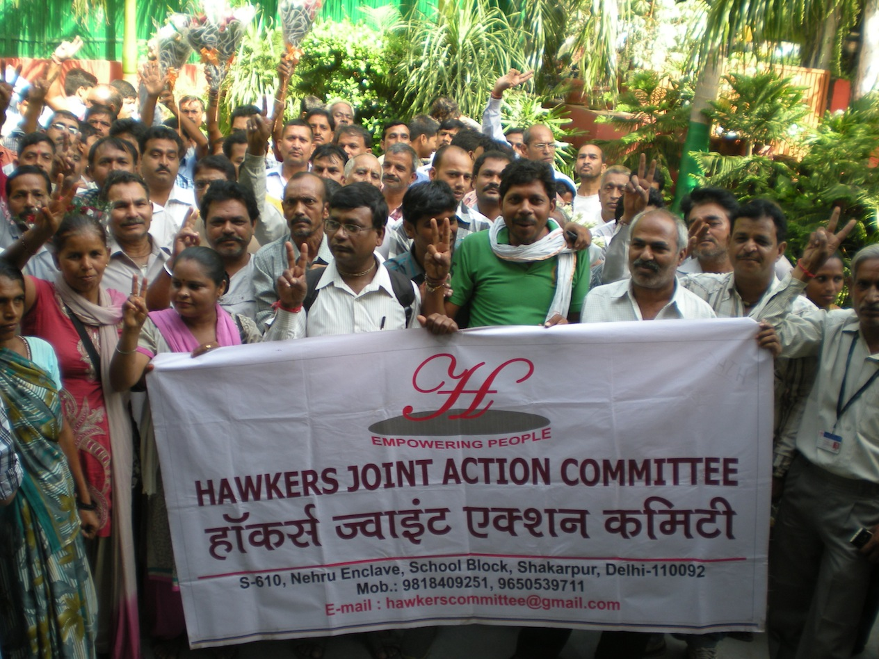 Hawkers_at_Mnister_Residence_7_Sept