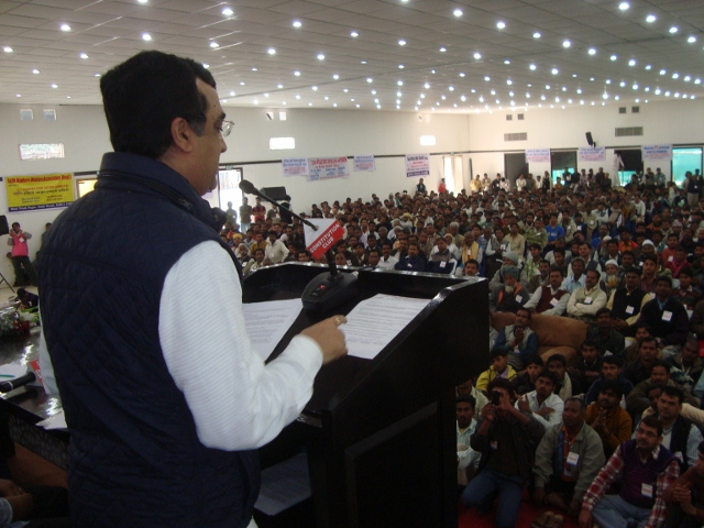 Sri_Ajay_Maken_at_Hawkers_Joint_Action_Committee_meeting_640x480