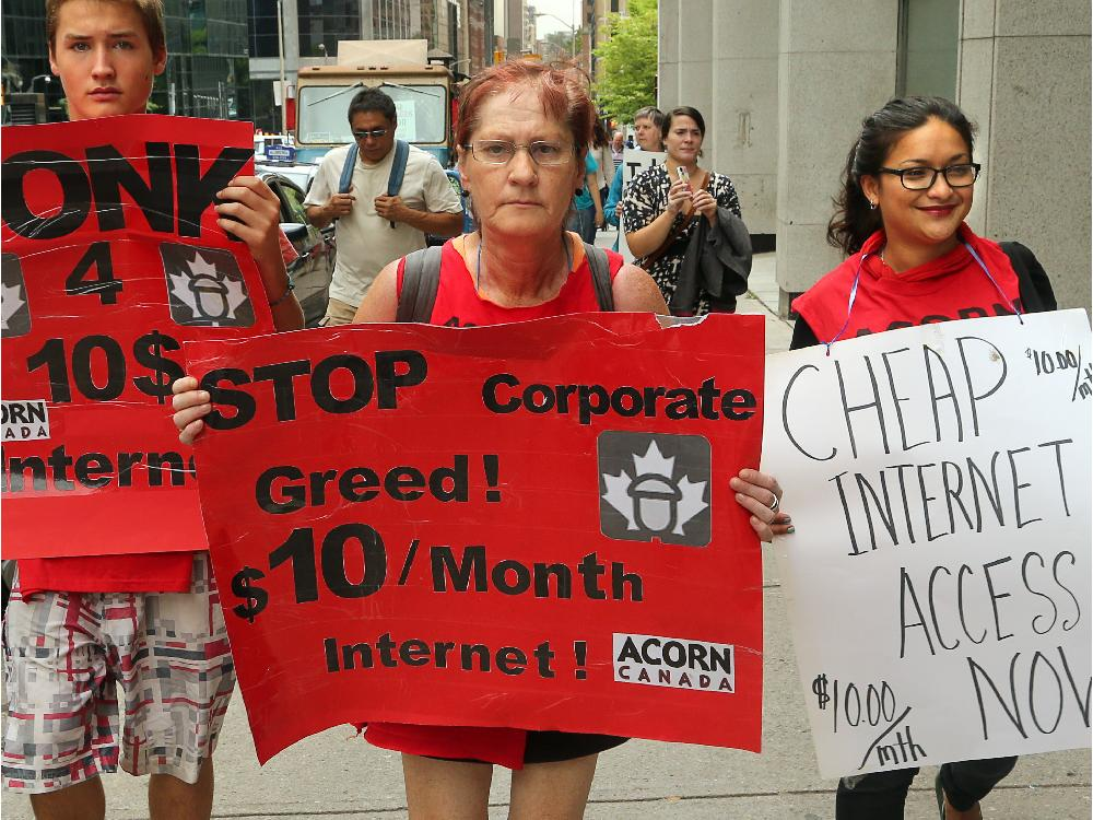 about-20-acorn-members-protested-up-metcalfe-st-from-the-do2